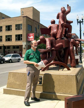 Photo Gene Lantz at Haymarket monument in Chicago